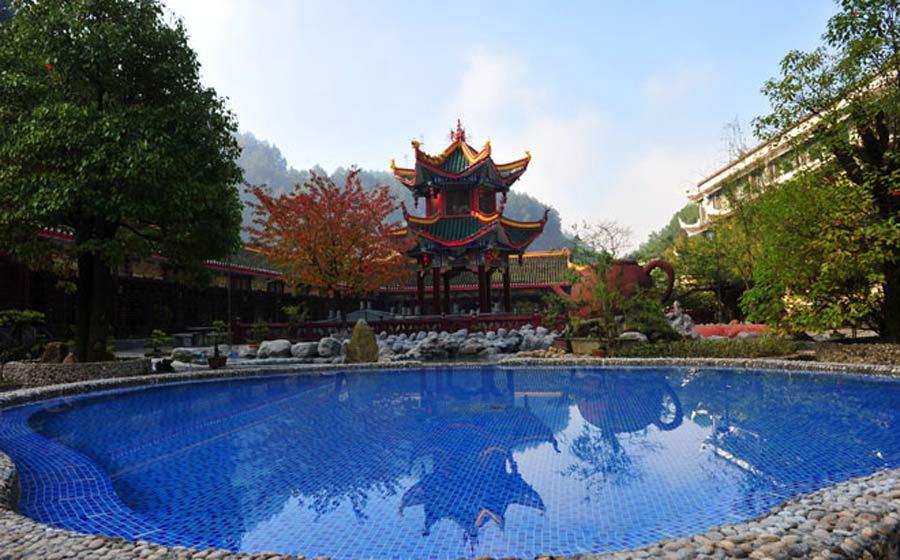 白马峪温泉,独特自助烧烤场